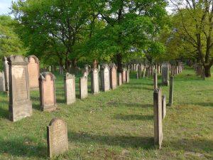 "22.03.2020 - Führung auf dem Alsbacher Jüdischen Friedhof: ""Denkmale Lorscher Juden"""
